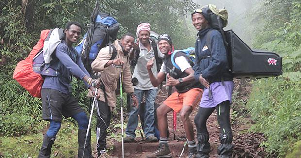 pizza-hut-kilimanjaro-1