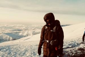 Muguruza-summits-Kilimanjaro-1