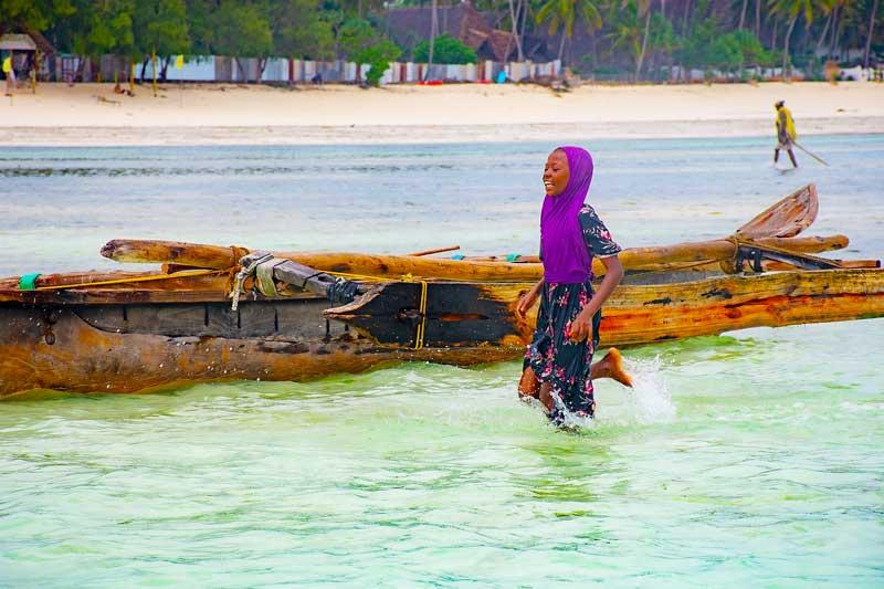 Laughing-Girl-Muslim-Islam-Zanzibar-Sea