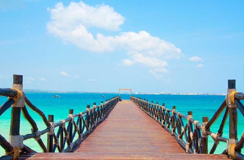 Zanzibar-beach-pier