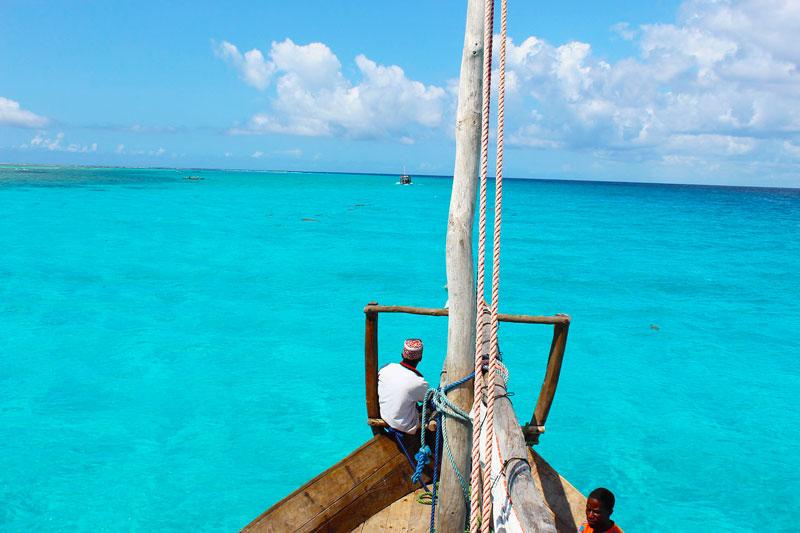 dhow-boat-zanzibar-sailing