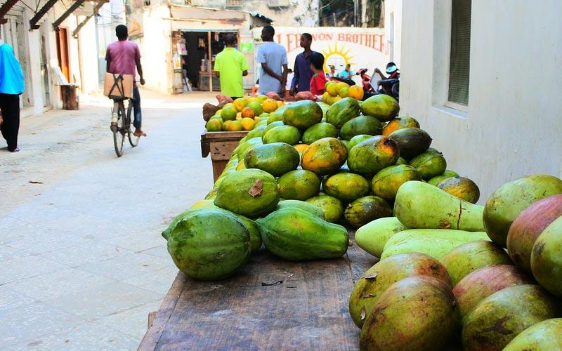Zanzibar-Food-Mango-Market